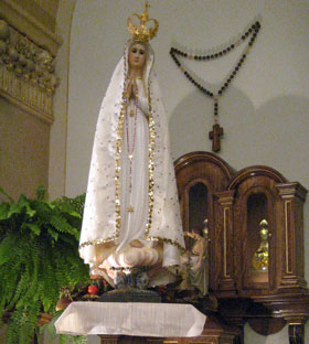Travelling Fatima Statue